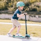 🛴 Habt ihr schon unsere Kinderhelme von Scoot & Ride entdeckt? 🛴  Sie schützen nicht nur, sondern sehen auch wirklich cool aus! In verschiedenen Farben bei uns im Shop erhältlich.  👉 Link in Bio  #kinder #helm #kinderhelm #scootandride #safetyfirst #stylish #sicherunterwegs #onlineshop #deingokart