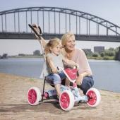 🏎️ 2-in-1: stabiles Pedal-Gokart und Schubauto 🚀  Den BERG Buzzy Bloom: Mit Hilfe der Schubstange behältst du die Kontrolle über Pedal-Gokart und Kind. Im Handumdrehen machst du aus dem Buzzy-Schubauto einen Pedal-Gokart und umgekehrt.  Jetzt bei uns im Online Shop 👉Link in Bio  #bergtoys #buzzy #bloom #2in1 #retro #stabil #pedalgokart #schubauto #sicherunterwegs #schubstange #kontrolle #kleinkinder #fahrvergnügen #kinderfahrzeug #geschenkideen #onlineshop #deingokart